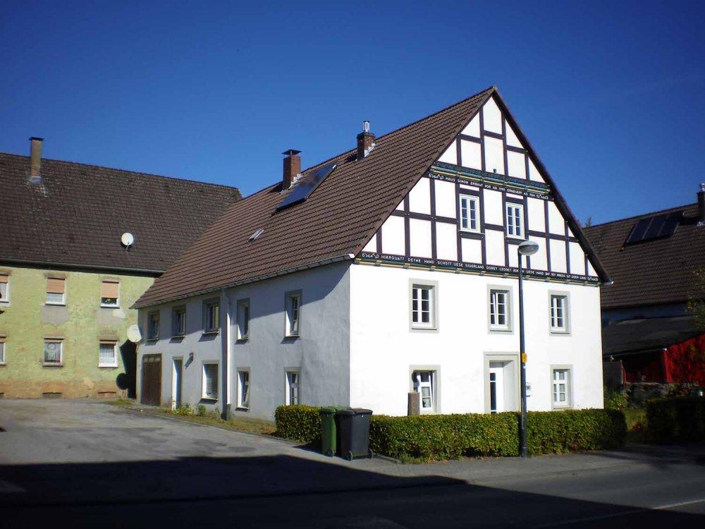 Traditionsreiches Bauernhaus mit Einliegerwhg in
