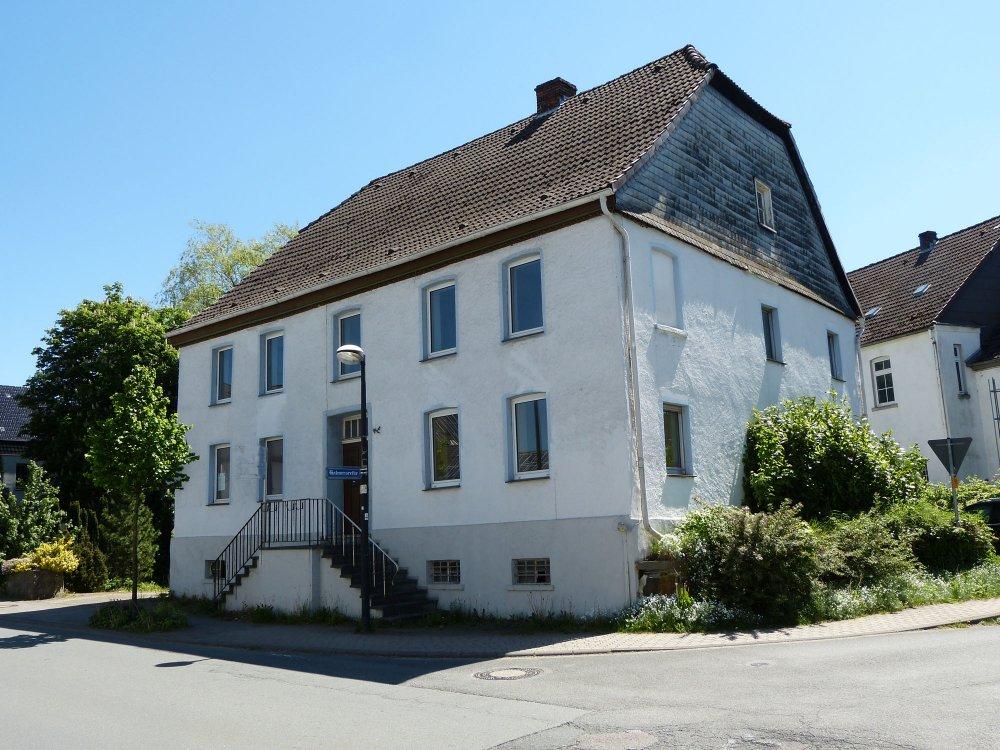 Mehrgenerationenhaus Bauernhaus in zentraler Wohnlage von